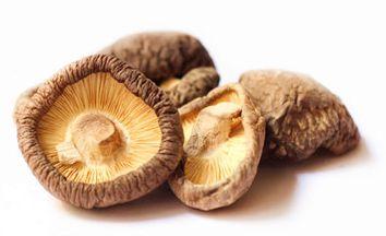 Funghi Shiitake secchi, dotati di straordinarie qualità extra-nutrizionali, oltre ad un grande sapore!