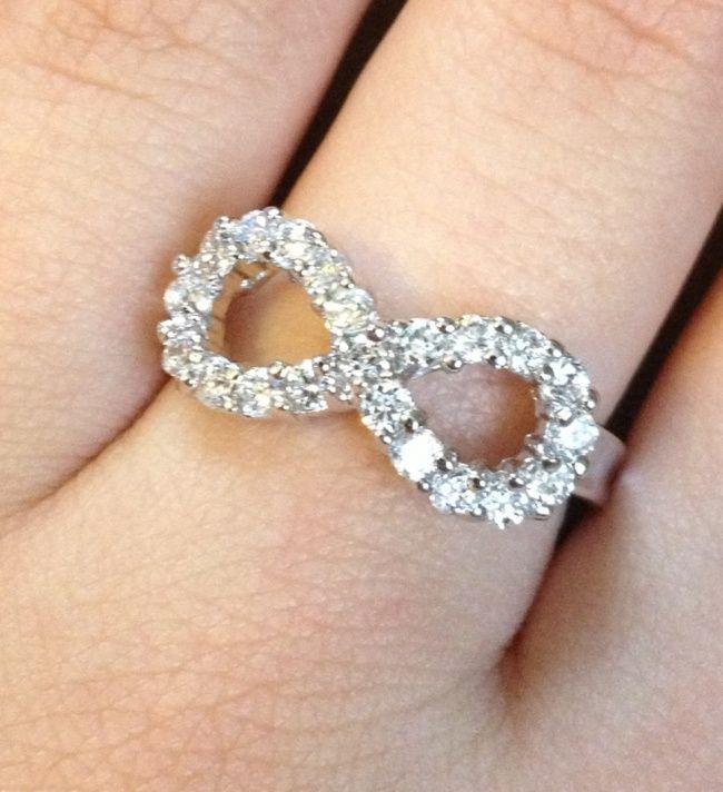 Anillo de compromiso con el símbolo de infinito #bodas - Folkvox - Imágenes que hablan de mí -
