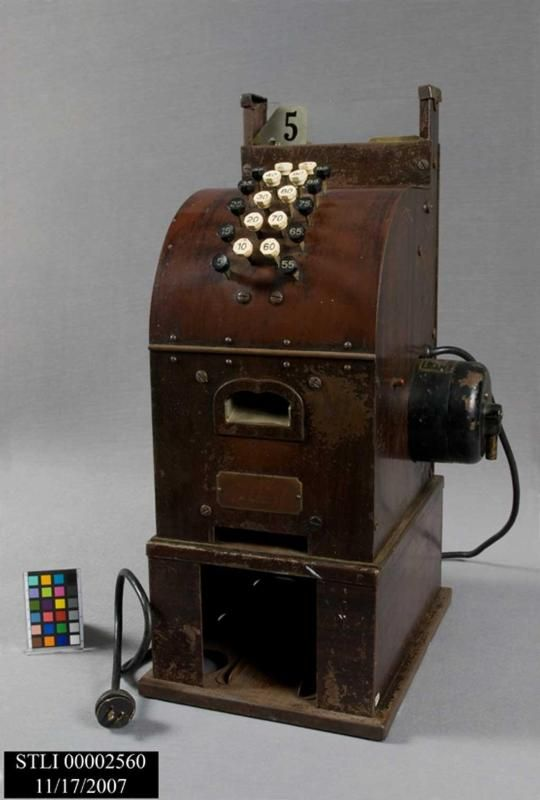 Cash register used by concessioners at Ellis Island.