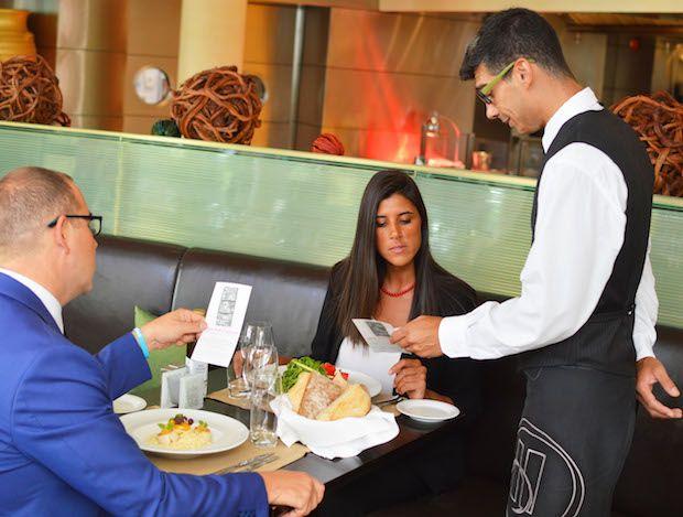 """Γευματίστε για καλό σκοπό! Μια συνεργασία του Hilton Αθηνών με το Ίδρυμα """"Emfasis"""""""
