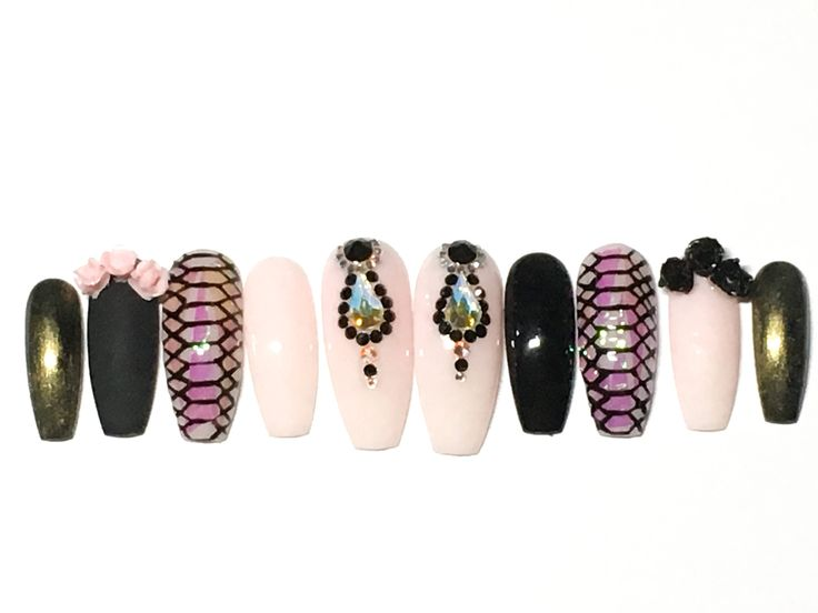 Snake skin press on nail with genuine swarovski crystal pixie by PhantasyNails on Etsy https://www.etsy.com/listing/582905135/snake-skin-press-on-nail-with-genuine