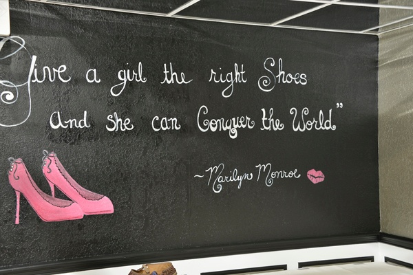 Marilyn Monroe Quote Bridal Suite Wall Mural Glamour