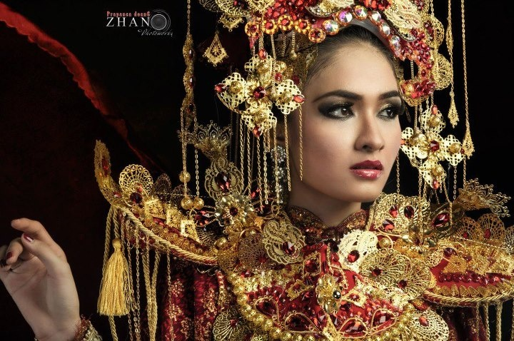 Beautiful Indonesian Traditional Jewelry Style.
