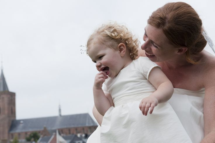 #dutchwedding #bride #child #smile #Naarden #september #2011  Photo by Sjoerd Banga, © Banganimation