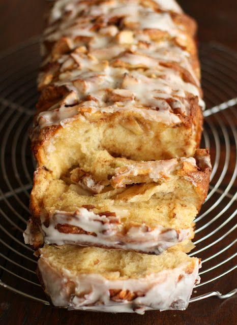 Apple Cinnamon Pull-Apart Bread #fall