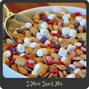 Valentine's Day S'More Snack Mix Recipe with Free Printable—Perfect for munchkins to hand out to their friends!