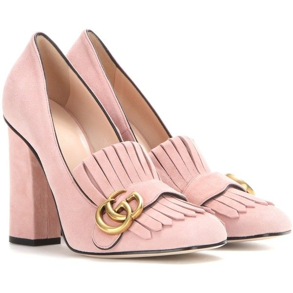 Gucci Suede Loafer Pumps (14,875 MXN) ❤ liked on Polyvore featuring shoes, gucci, pink, pink suede shoes, pink shoes, pink loafers, gucci loafers and suede leather shoes