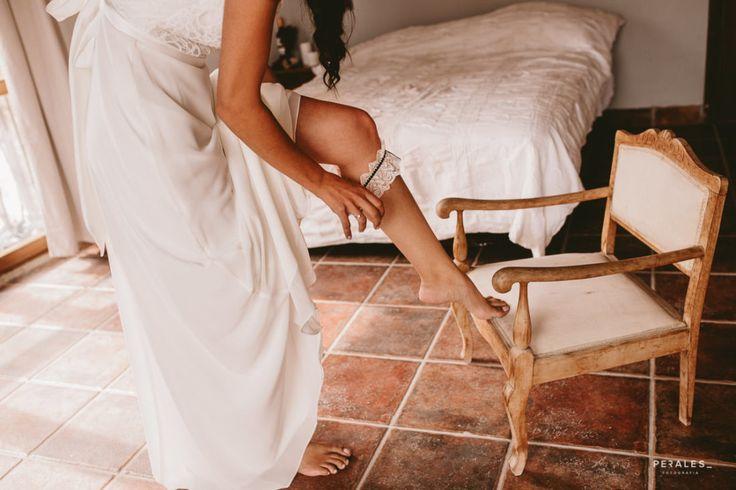 Boda David y Tamara en Azqueta, Navarra - PERALES fotografía. #makeup #wedding #bodas2017 #reportajebodas #fotografia #photography #weddingphotography #soniaperales #vintage #storyteller #pronovias #maquillajeboda #maquillajebodas #trajedenovia #novia #anillosboda