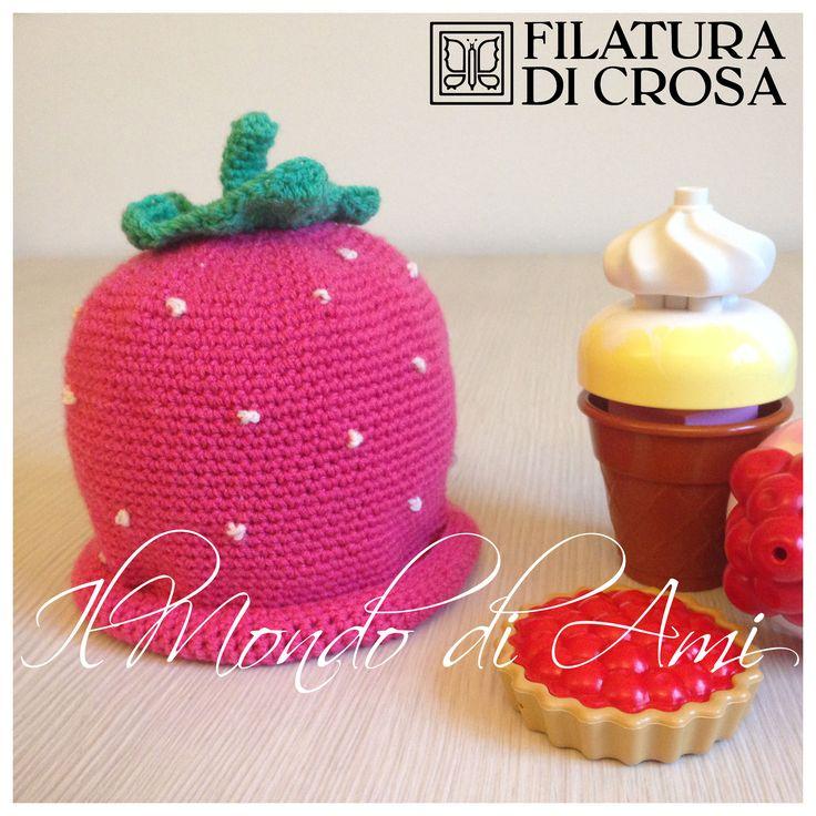 Berretto fragola per bimbi realizzato con il filato Principessa (Filatura di Crosa)