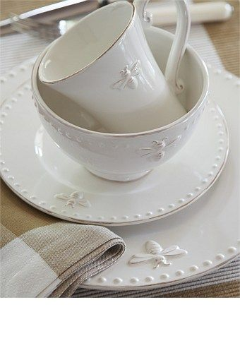 Tableware - French Bee Dinner Plate Set