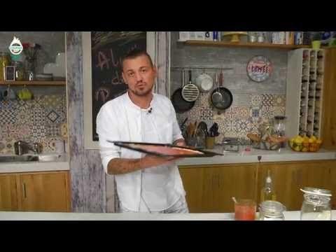 Reteta aluat de pizza si pizza Margherita - YouTube