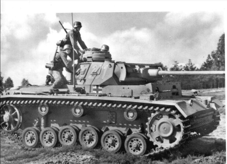 b97a8a36e5bc16e20908d75c2e869785--panzer