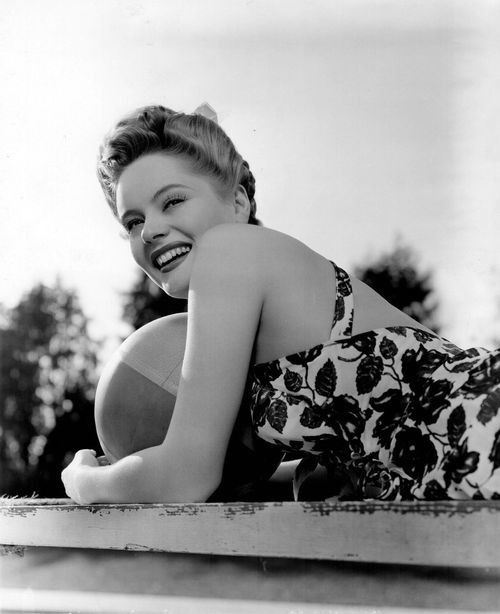 Alexis Smith (1943) photo by Bert Six