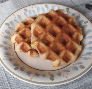 アメリカで大判焼き/たい焼き風ワッフル Biscuit in wafflemaker