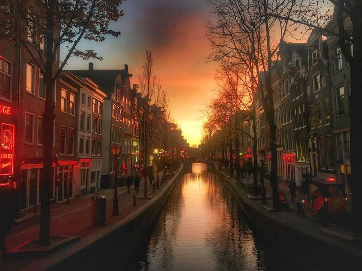Sunset by the canals