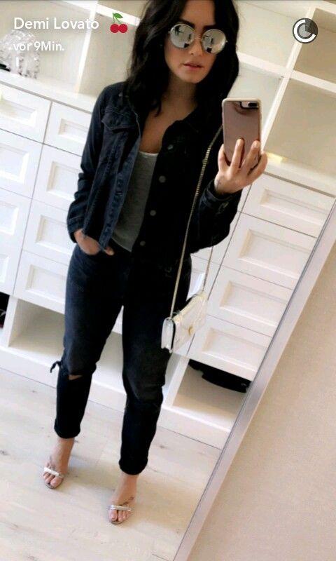 Demi Lovato - clothes