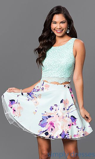 Shop junior-sized two-piece party dresses and sweet-sixteen dresses at Simply Dresses. Crop-top party dresses and floral-print graduation dresses.