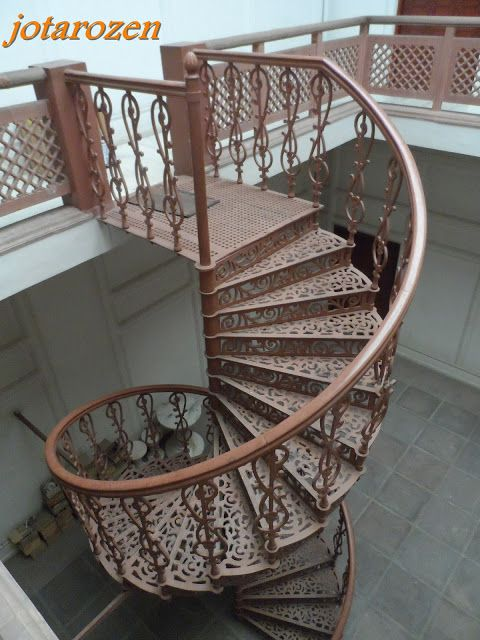 Best Ornate Antique Cast Iron Spiral Staircase Jotarozen 640 x 480
