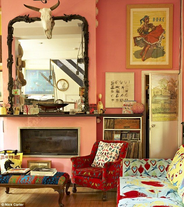 Eclectic living room. love colors