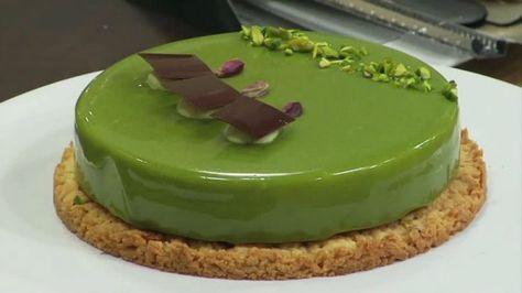 Pistacchio e cioccolato di Maurizio Santin (daquoise mandorle e cioccolato, namelaka al pistacchio, frolla glassa)