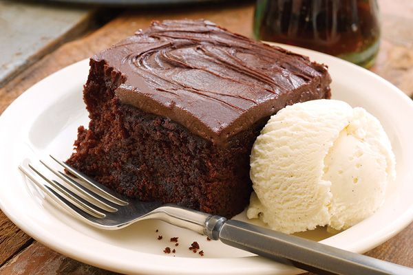 November 19 * National CARBONATED BEVERAGE w/CAFFEINE Day * CRACKER BARREL's famous DOUBLE FUDGE COCA COLA CAKE (photo & recipe from Cracker Barrel) * Crockpot COLA BBQ RIBS) * Gram's CHERRY COLA JELLO MOLD (1950's) * GREEN BEAN CASSEROLE (slightly creamy w/crunchy topping ~ NO CANNED SOUP)