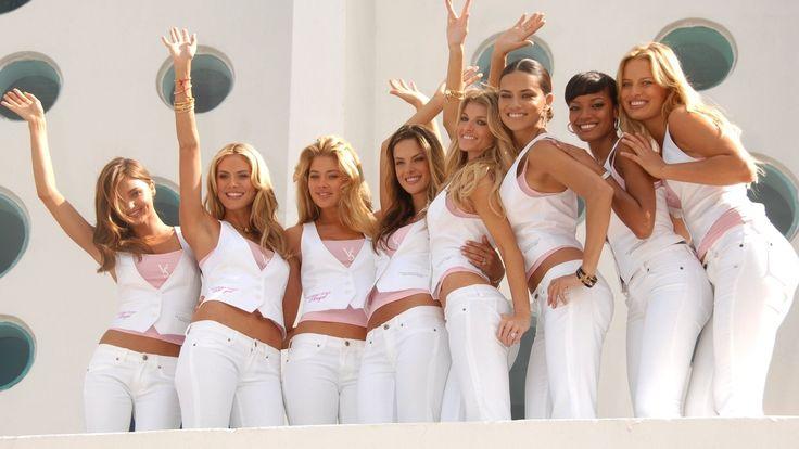 Victoria Secret modelleri günde kaç kalori tüketiyor? -  https://www.hatici.com/victoria-secret-modelleri-gunde-kac-kalori-tuketiyor - #AdrianaLima, #TaylorHill, #VictoriaSecret, #VictoriaSecretModels Victoria Secret modelleri günde kaç kalori tüketiyor? Her ne zaman Victoria Secret modellerini bir pistte salınırken ya da internette görkes bir suçluluk duygusuna kapılmaktan kendimizi alamayız.  Bu duygunun nedeni sadece onlara benzemiyor olduğumuz ya da yakınlar