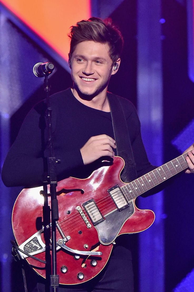 18 Surprising Facts About Niall Horan - Seventeen.com