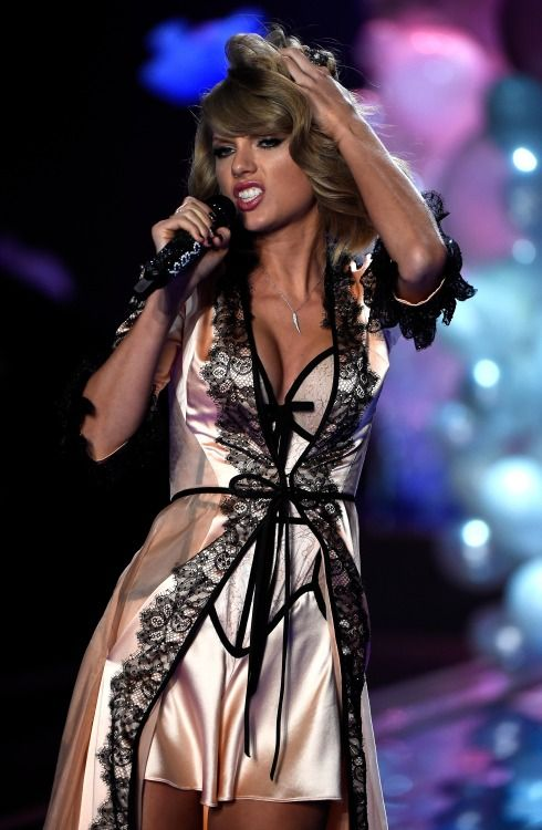 48b8e91acc0 We got nothing figured out;. Taylor Swift Victoria Secret Fashion Show 2014