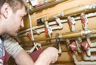 Работа сантехников в действительности не простая и объём выполняемых работ ...