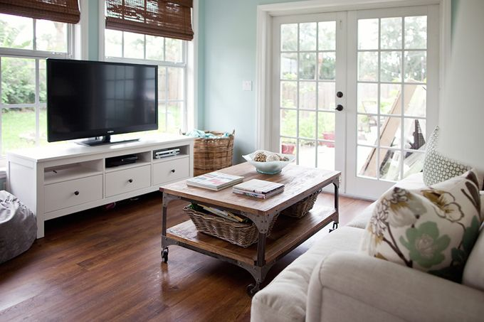78 images about tv in front of window on pinterest for Tv placement in living room