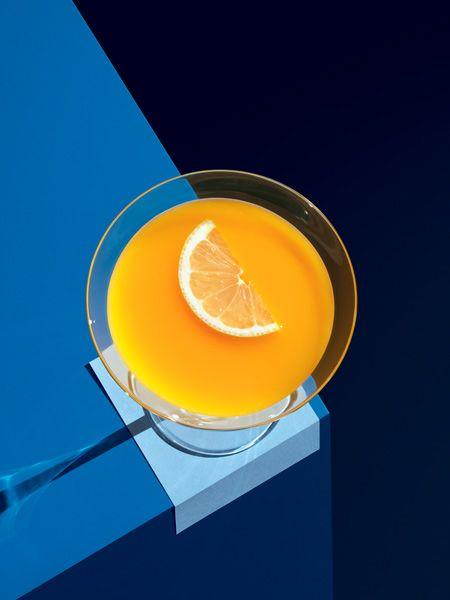 photo ... O2 ARENA- blue, yellow, white ...