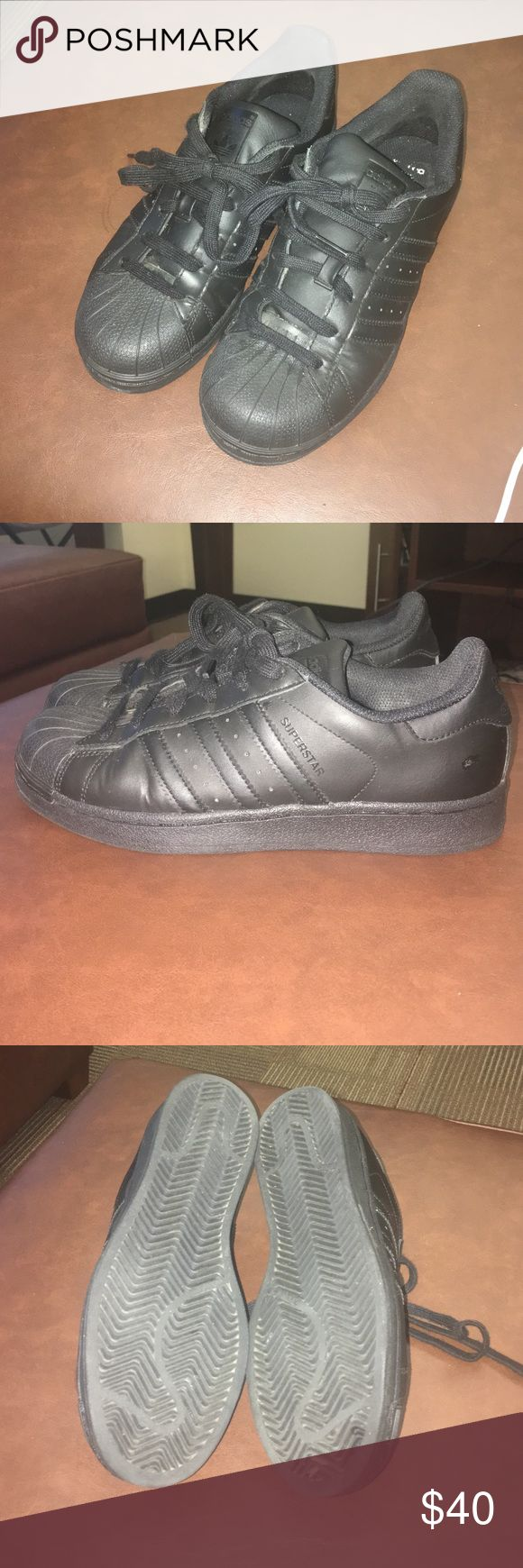 Adidas Superstar All black Adidas Superstar shoe. Youth 5 1/2 or womens 8. Minimal wear. Really awesome show, goes with everything Adidas Shoes Sneakers