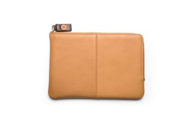 Zip around mini iPad sleve / Funda mini iPad con cremallera. Small Leather Goods - Accessories: Protect your mini iPad in a stylish way and carry it with you always.