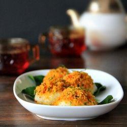 sticky rice w spicy sweet coconut by singaporeshiok