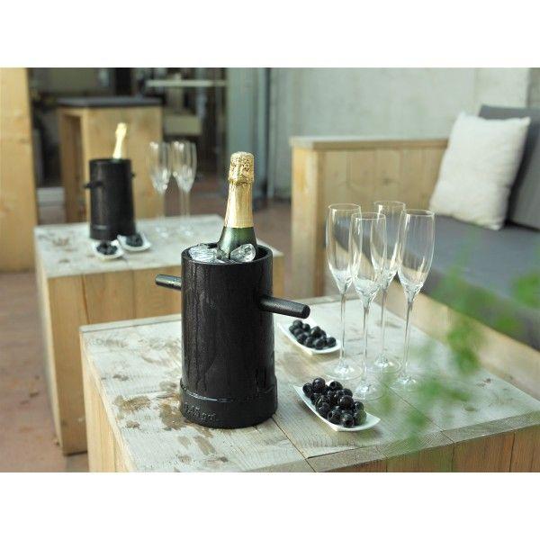 Functionals Bolder wijnkoeler. Ook en bos bloemen staat in deze #wijnkoeler fantastisch! @functionals #wijnkoelers #design #Flinders