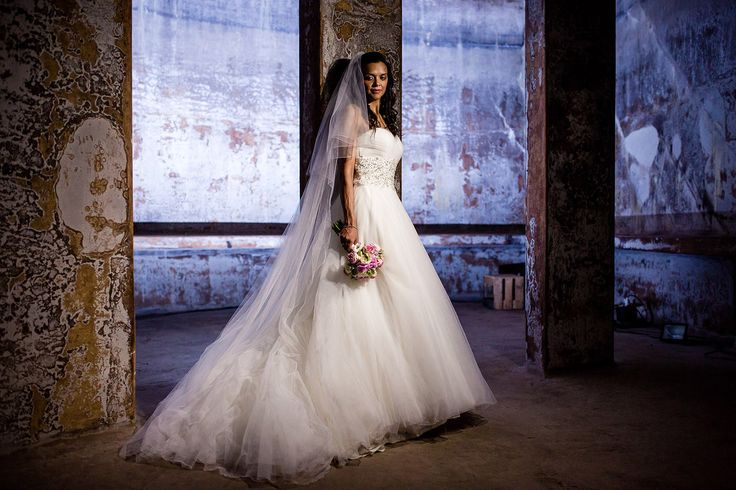 """""""Erwin Beckers fotografie verzorgt bruidsfotografie en loveshoots.  Met oog voor sfeer, emoties en details. Spontaan, ongedwongen maar toch romantisch.  Al die leuke, gekke, emotionele en romantische momenten stijlvol in beeld. """""""