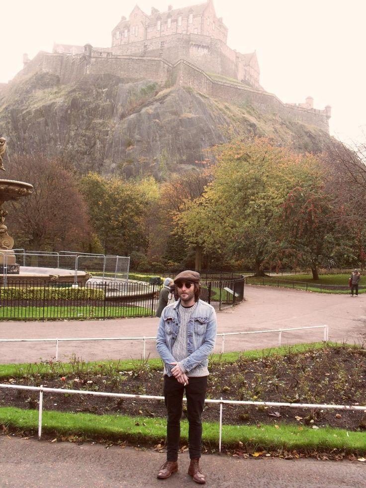 En Edimburgo, un poco antes de presentar @bsaspoetry en la Biblioteca de Poesía Escocesa (Scottish Poetry Library)