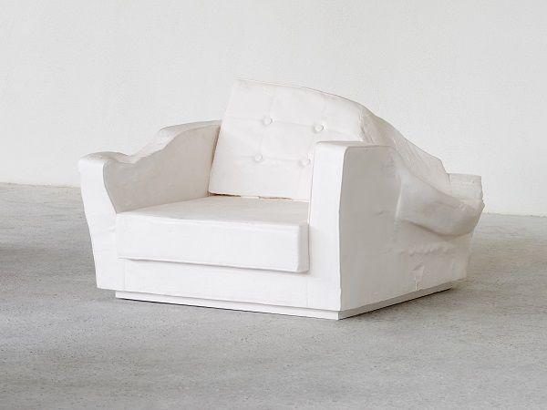 <i>Triple Seat</i>, 2015 Photo: © Erwin Wurm, VG BILD KUNST, Bonn 2016, courtesy Galerie Thaddaeus Ropac, Paris, Salzburg, Foto: Eva Würdinger