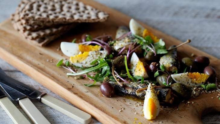 A great lunchtime salad that combines sardines, boiled eggs, olives, capers and dukkah spice mix. Simply serve on a board with rye crispbread.