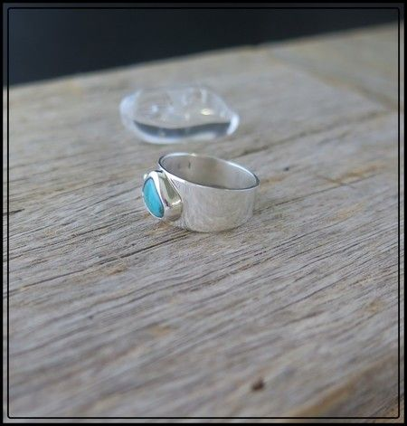 TURQUOISE GEMSTONE & STERLING SILVER RING