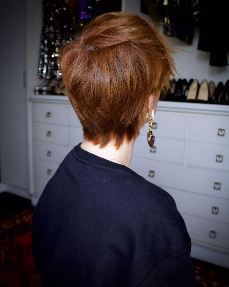 Julia Petit cabelo curto texturizado com babyliss