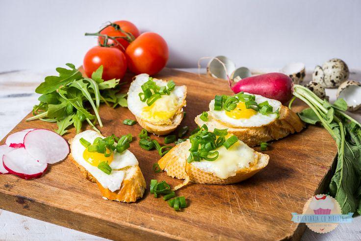 Panini with quail eggs