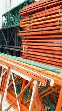 Used pallet racks can save you up to 40% of the purchase cost of new pallet racks. For less money, you can experience the same structural stability, safety, and organizational benefits of pallet racking systems with less of a hit to your budget. Used pallet racks are equivalent in quality and performance to new systems.