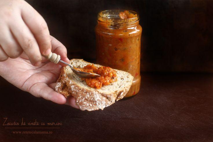 Zacusca de vinete și morcovi, o variantă cremoasăși dulce a celei mai iubite rețete de zacuscă Toamna ne-a adus în …
