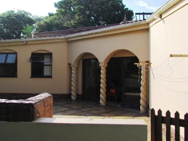 3 bedroom Townhouse for sale in Umzumbe