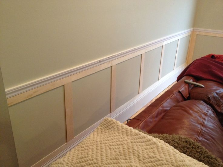 Great example of some simple wainscoting below a chair rail. Want to do this in the living or dining room perhaps at some point. Love how it looks, could knock it out in a weekend.