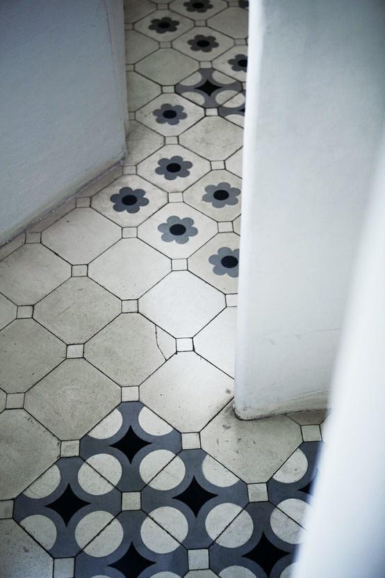 Tile floor / casa batllo'