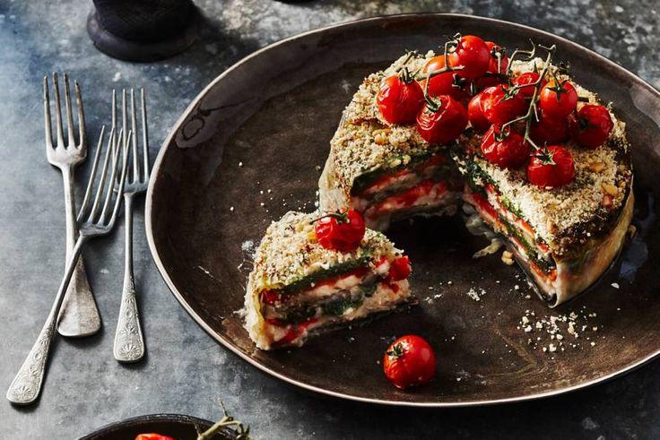 Niet één, niet twee... In deze taart zitten maar liefst zéven verschillende soorten groenten, een echte vitaminebom! - Recept - Allerhande