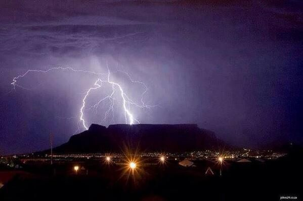 Cape November Storm | Aamz AJ ‏@Aamz_AJ Deadly but what a stunning pic! The Storm in Cape Town!