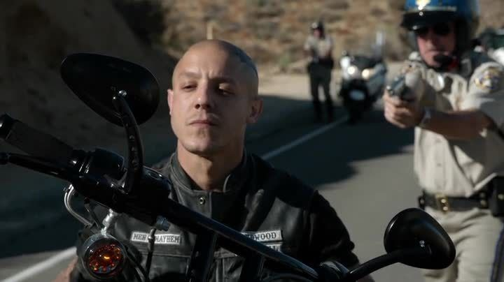 juice ortiz in episode greensleeves | ... Séries : Sons of Anarchy. Saison 7. Episode 7. Greensleeves